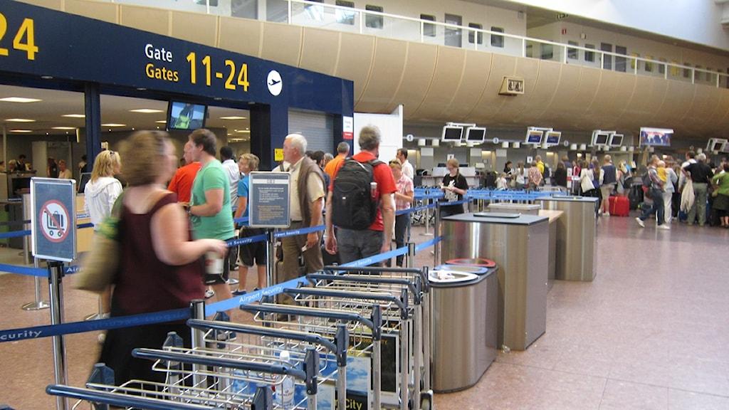 Arlanda, säkerhetskontroll terminal 5. Foto: Tomas Magnusson/SR