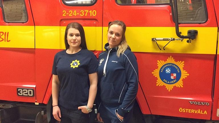 René Lennartsson och Charlotte Carlsson, deltidsbrandmän i Östervåla.