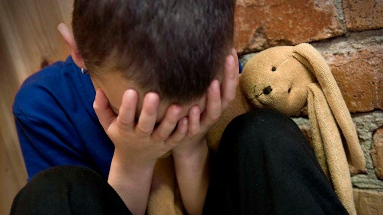 Genrebild ledsen pojke. Foto: Claudio Bresciani/TT