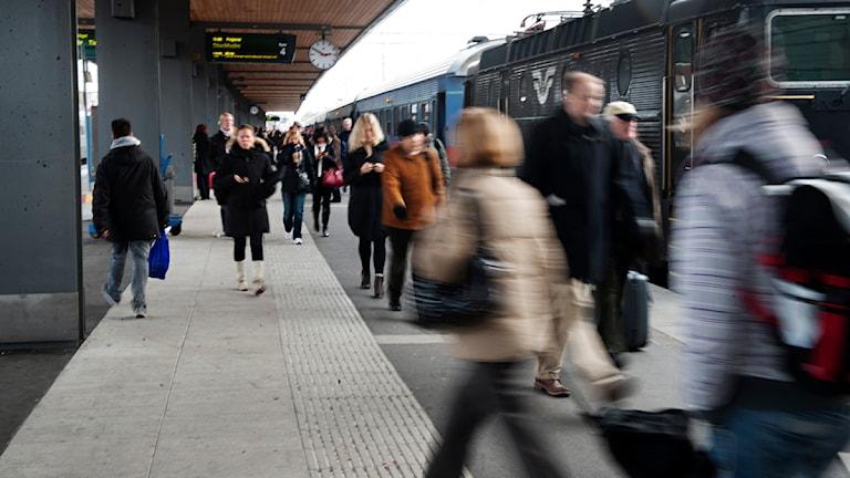 Uppsala centralstation och pendeltåget mot Stockholm (arkivbild). Foto: Annika af Klercker / Scanpix