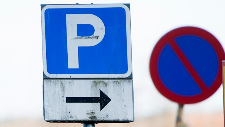 Skylt vid parkeringsplats (arkivbild). Foto: Fredrik Sandberg / Scanpix