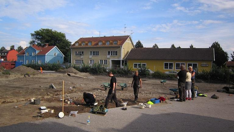 Utgrävning på Pausparkeringen i Enköping. Foto: Sanna Richter/SR
