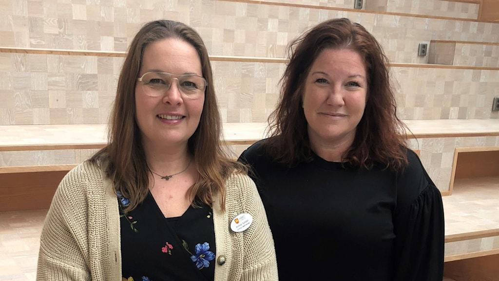 Lärare Annika Sjödahl  till vänster tillsammans med biträdande rektor.