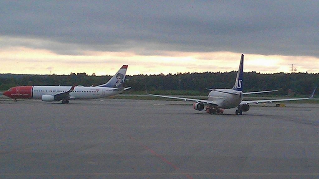 Flygplan på väg till start på Arlanda. Foto: August Bergkvist/Sveriges Radio