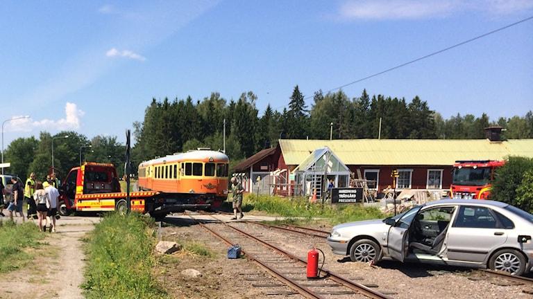 En bil kolliderade med Lännakatten. Foto: Bosse Pettersson/SR