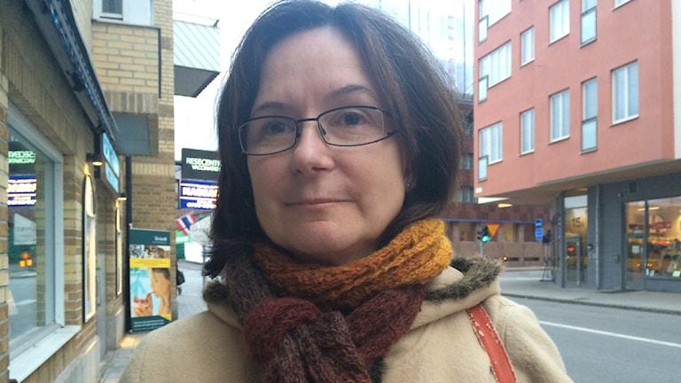 Lolo Lycktman är nöjd med pendlingen. Foto: Ulla de Verdier/SR.