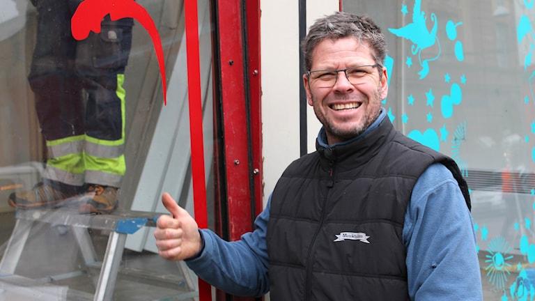 Jonas Bengtsson, mångårig byggare åt Musikhjälpen. Foto: Erik Thyselius/Sveriges Radio