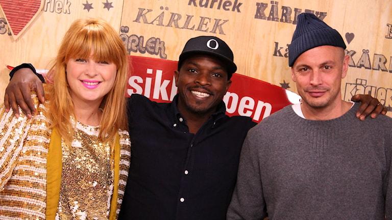 Linnea Henriksson, Kodjo Akolor och Petter Alexis Askengren. Foto: Stefan Hesserud Persson/Sveriges Radio