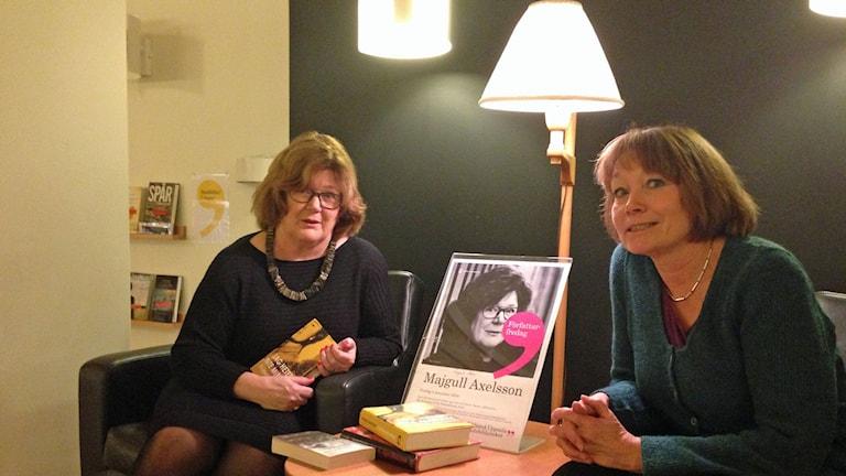 Författaren Majgull Axelsson och P4 Upplands Lena Redin. Foto: Mimi Forssblad