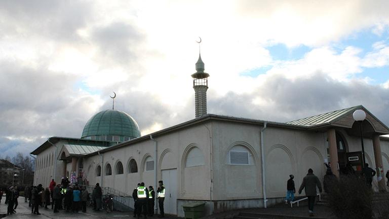 Det var på nyårsnatten som moskén attackerades.
