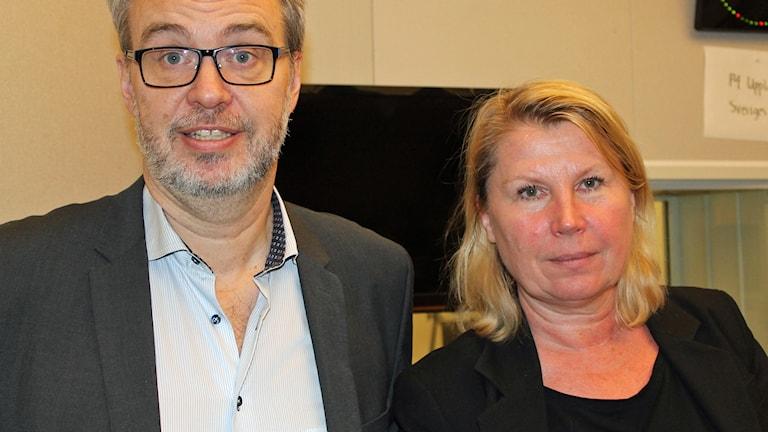 P4 Upplands Andreas Miller och UNT:s publisher Charlotta Friborg. Foto: Erik Thyselius/Sveriges Radio