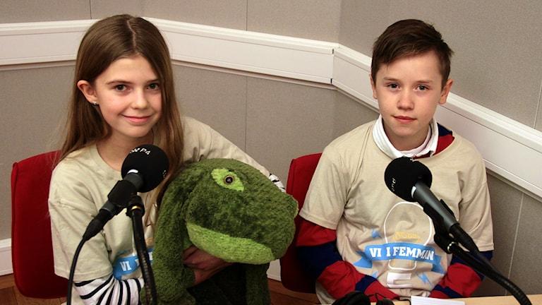 Vinnarna Maja & Isak från Tiundaskolan Foto:Thomas Artäng/Sveriges Radio