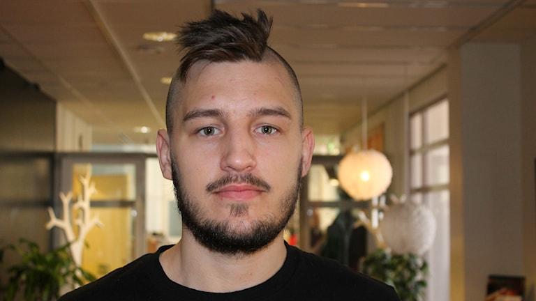 Billy Nilsson, spelare i Sirius innebandy. Foto: Erik Thyselius/Sveriges Radio