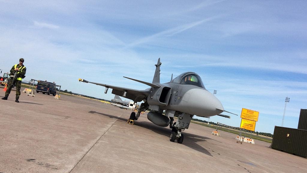 Just nu pågår årets flygvapenövning på Uppsala flygplats i Ärna. Foto: Stefan Hesserud Persson/Sveriges Radio