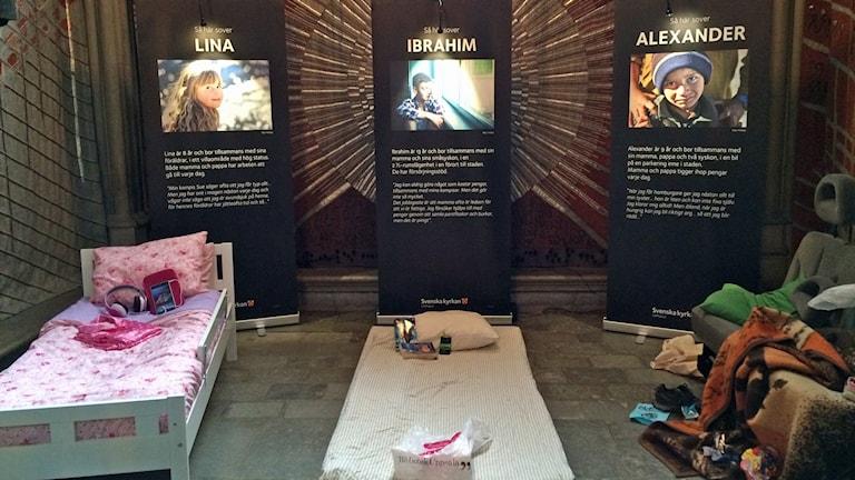Utställning om barnfattigdom i Uppsala domkyrka. Foto: Aila Stefansdotter-Franck/Sveriges Radio