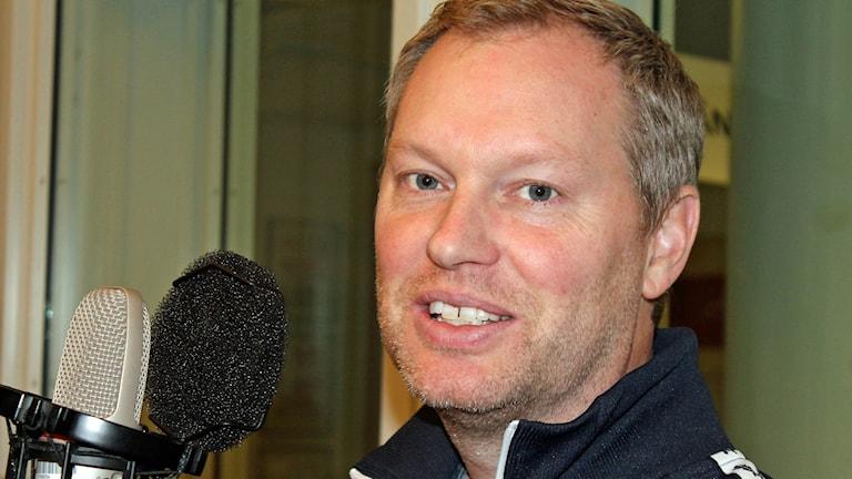 David Ahlmark, tränare i Sirius innebandy. Foto. Erik Thyselius/Sveriges Radio