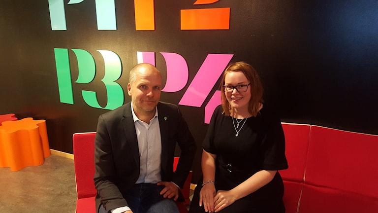 Richard Malmström (MP) och Therez Olsson (M). Foto: Mattias Persson/Sveriges Radio