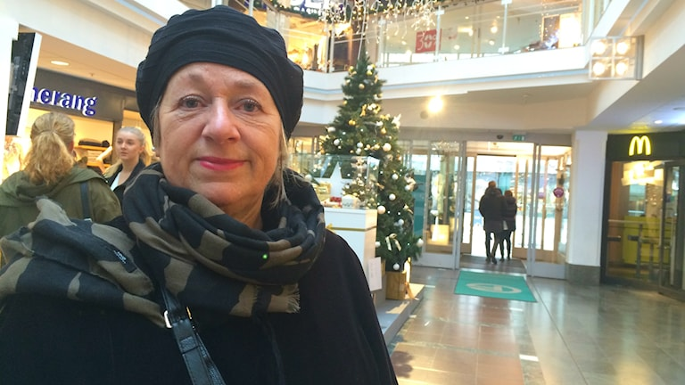 May Strandberg i en av Uppsalas alla gallerior. Foto: Jonas Ahlman/Sveriges Radio.