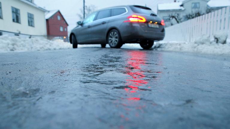 Bil i halt väglag. Foto: Terje Pedersen/TT