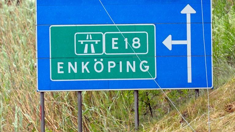 Skylt som visar vägen till E18 Enköping. Foto: Fredrik Sandberg/TT