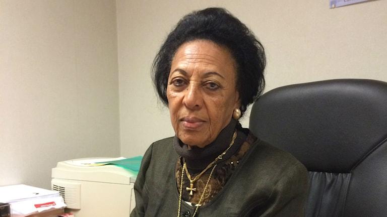 Fana Habteab som leder ett lokalt initiativ för att sätta stopp för kvinnlig könsstympning. Foto: Viktor Einarsson/Sveriges Radio