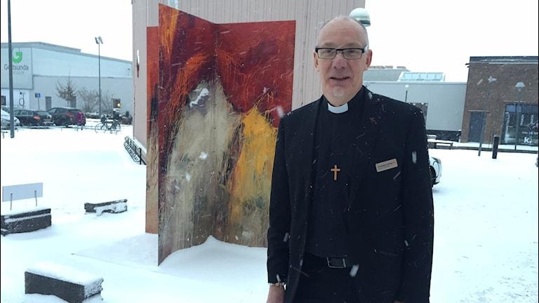 Gustav Jacobsson församlingsherde Gottsunda kyrka om utställningen Ikoner i förvandling Foto: Niklas Clarkson/Sveriges radio