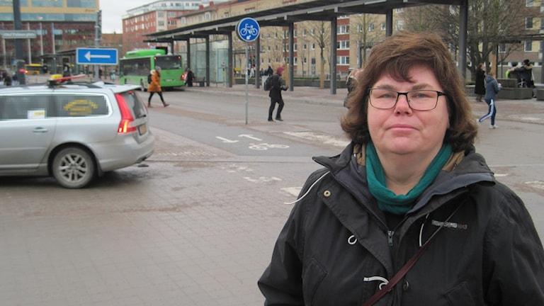 Maria Gardfjell vid Uppsala resecentrum. Foto: Mårten Nilsson / SR