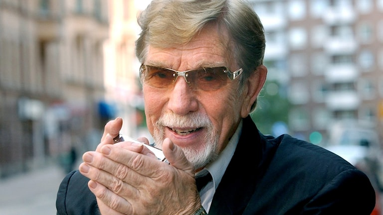 Owe Thörnqvist, 74 år ung 2003.