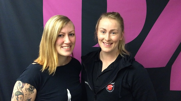 Josefin Devine och Emelie Hellgren uttagna till rugbylandslaget. Foto: Mattias Persson/Sveriges Radio