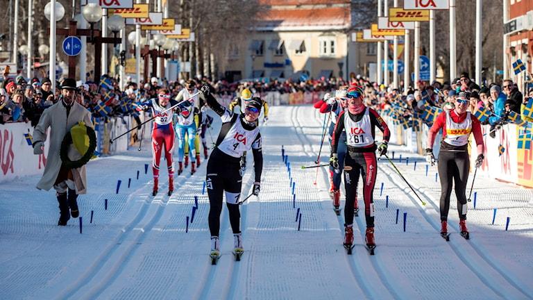 Vinnaren Britta Johansson Norgren, Katerina Smutna (Österrike), andra plats, samt Julia Svan som slutade på en tredje plats i den 30km långa Tjejvasan som gick från Oxberg till Mora på lördagen. Foto: Ulf Palm / TT