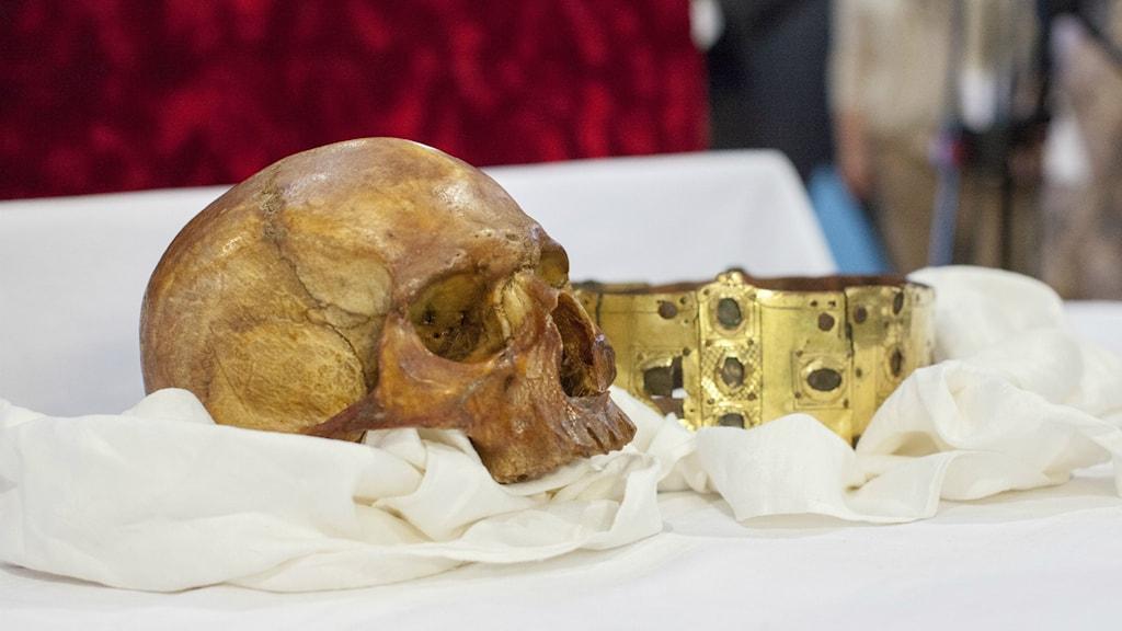 Skalle och krona i relikskrinet