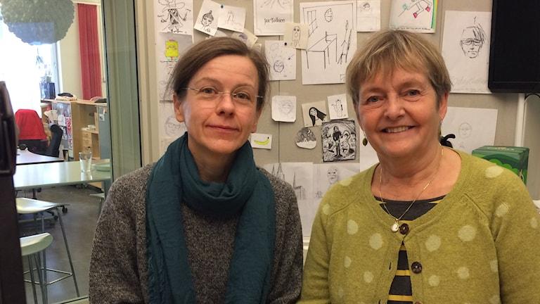 Anja Magnusson och Gunilla Gålne, omedvetet klädda i grönt, S:t Patrick's day till ära.