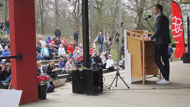Gabriel Wikström talade i Skolparken i Enköping.