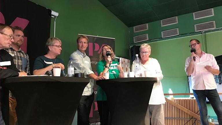 Centerpartiets Marie Wilén talar i debatten i Heby.