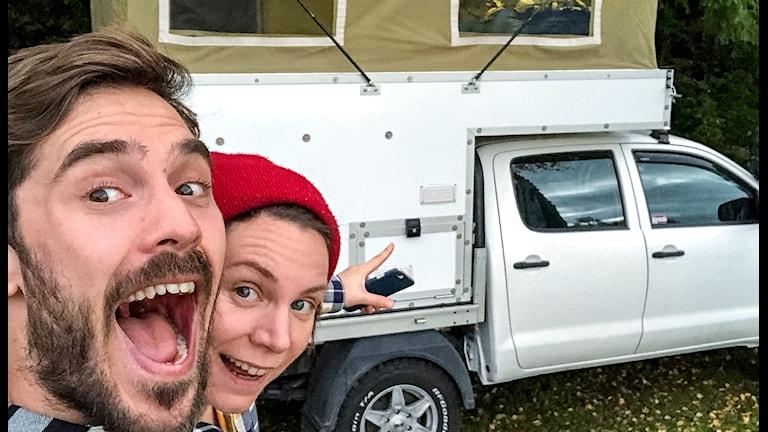 Fanny och Emil åker till Sydafrika i denna bil.