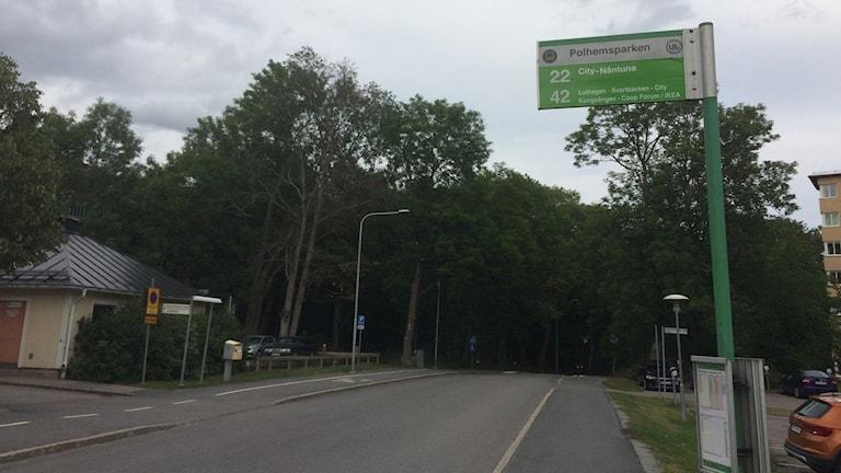 Nu är det inte längre några bussar som stannar på Otto Myrbergs väg.