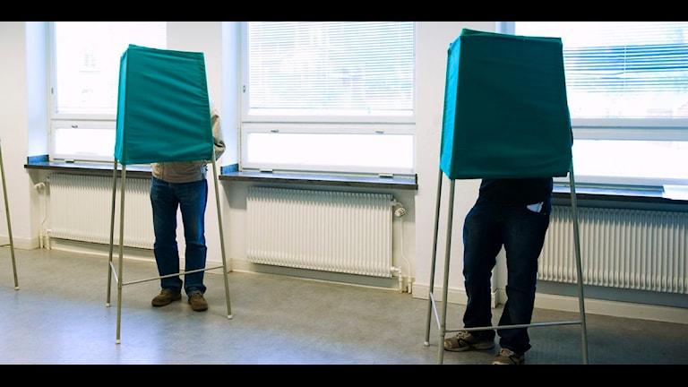 Röstande i vallokal. Foto: Henrik Montgomery/Scanpix
