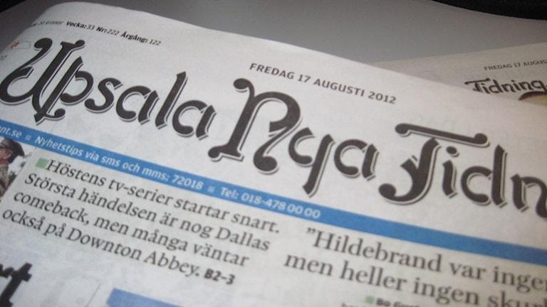 Upsala Nya Tidning har en ansträngd ekonomi med dalande upplaga. En orsak till att journalisterna får längre arbetstid utan högre lön.