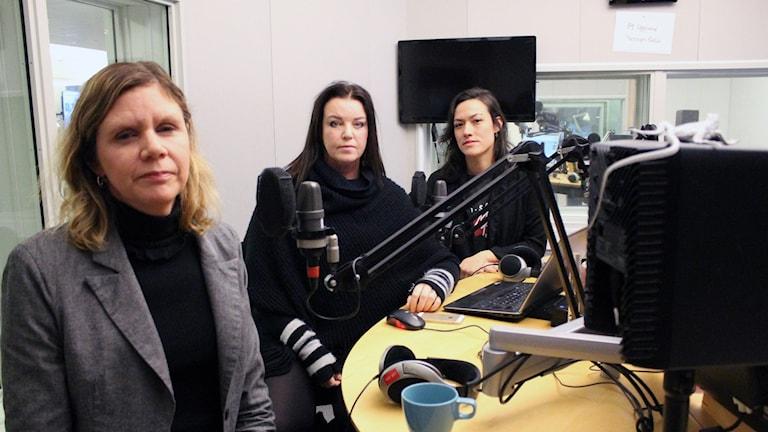 Lotta Sandhammar & Astrid Iselidh från SVT och P4 Upplands programledare Mona Wahlund berättar om sina erfarenheter kopplat till #deadline