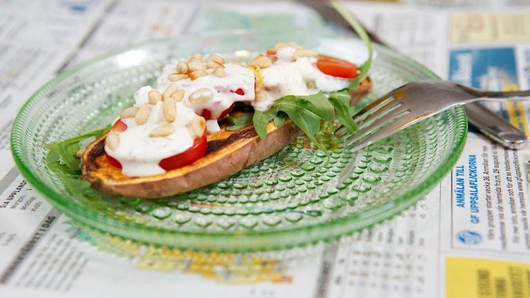 Rostad sötpotatis med bl a fetaost och timjan