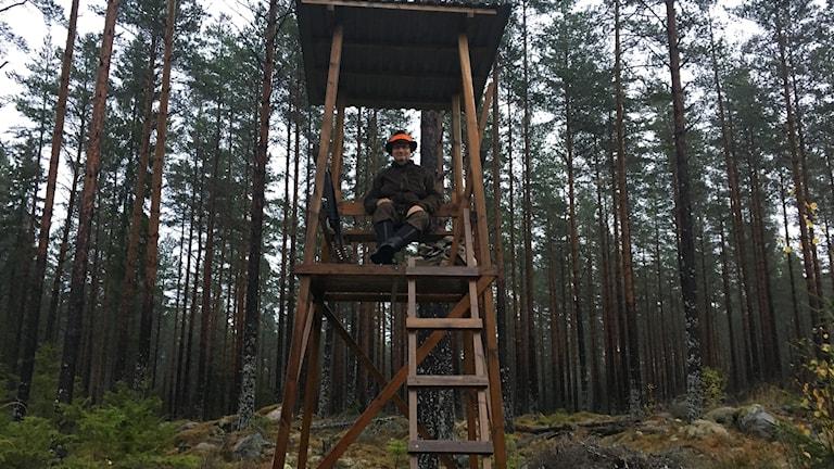 Johan Sonesson i sitt jakttorn.
