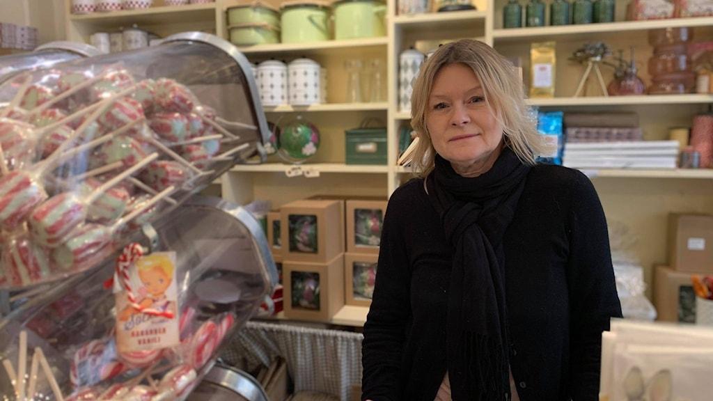 Catarina Johansson, äger den lilla presentbutiken MamsellK.