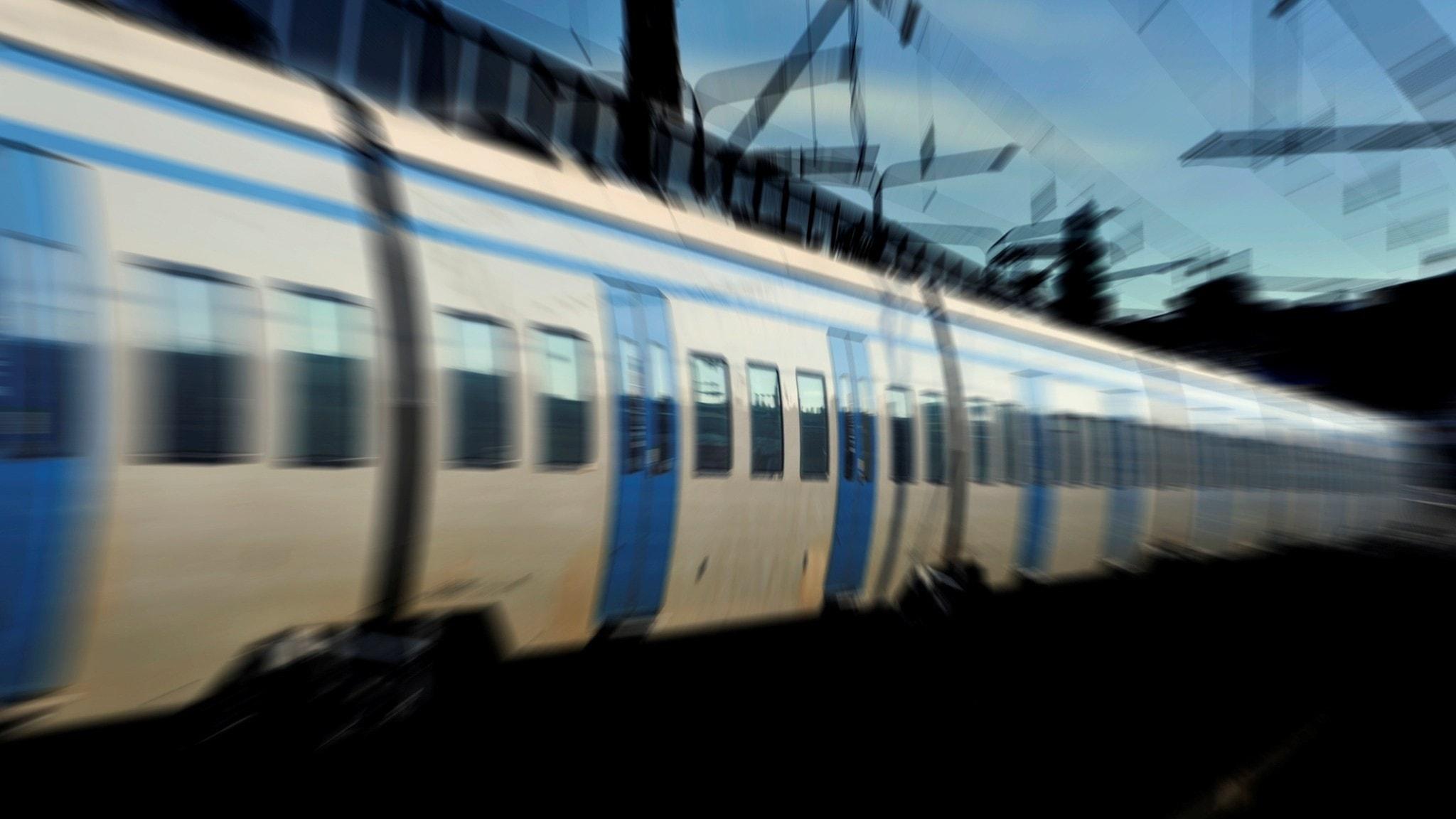 13-åringar rånade på pendeltåg – ingen vuxen grep in - P4 Uppland