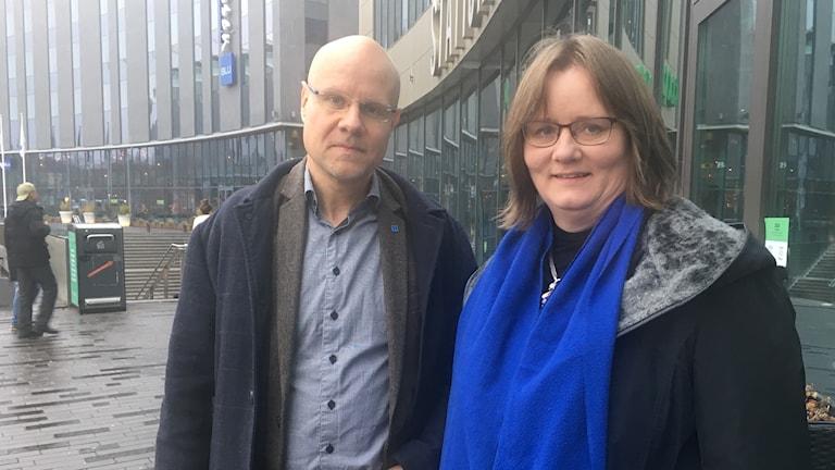 Jonas Segersam, kommunalråd för KD, tillsammans med nya partikamraten Cecilia Hamenius