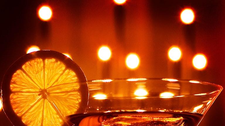 Cocktailglas med citron