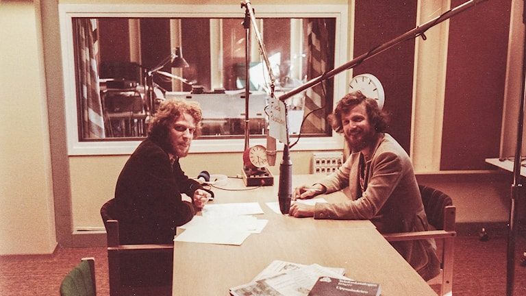Mikael Sanner och Jan Nordling som sänder från studion som låg på Sysslomansgatan i Uppsala hösten 1977.