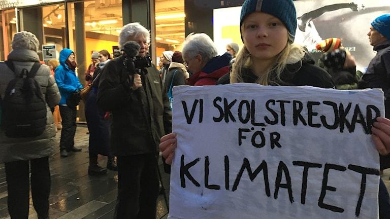 14-åriga Vera Röös strejkar för klimatet.