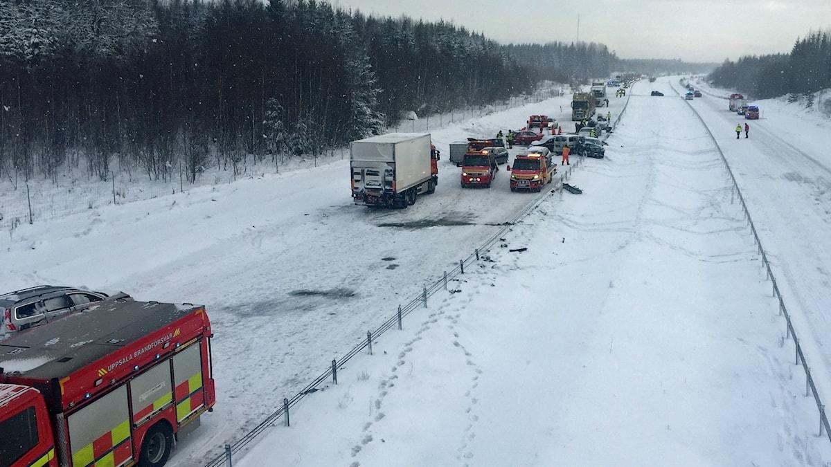 Kaos i trafiken norr om Uppsala.
