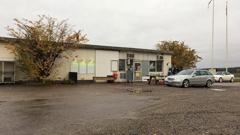 Gamla macken i Kyrkbyn öppnar pumparna igen.