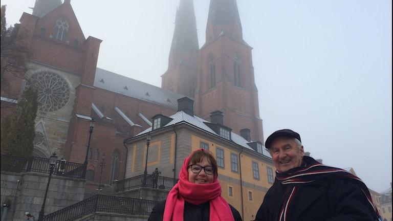 Ingrid Persson och Sven Hammar guidar i ett ljust Uppsala.